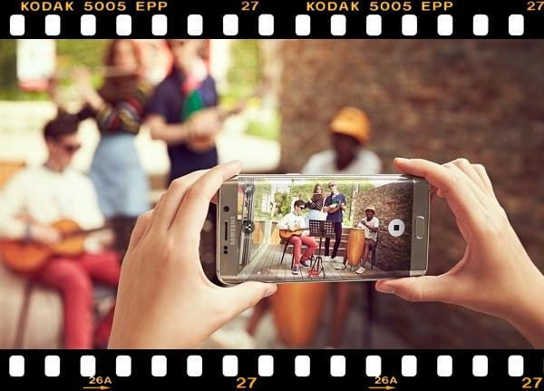 """Колаж """"Съёмка на камеру смартфона SAMSUNG"""""""