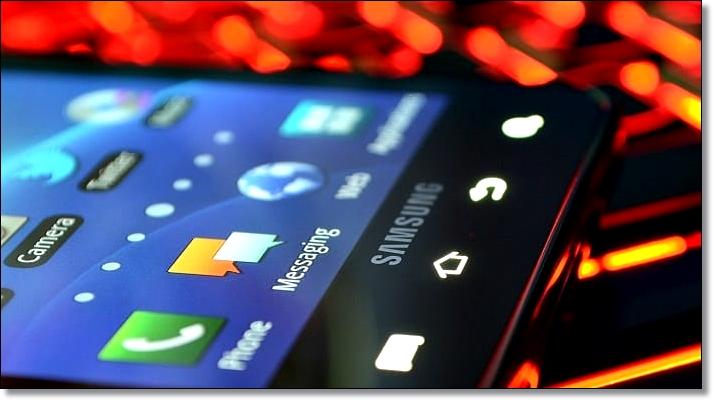 Главный экран смартфона Samsung