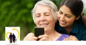 Мама и дочь осваивают смартфон