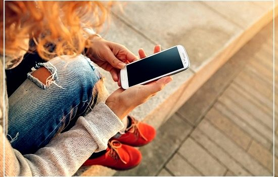 Красные башмачки с телефоном